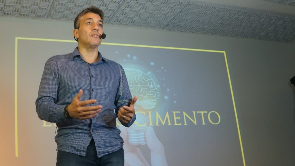 Márcio Marttins palestrando